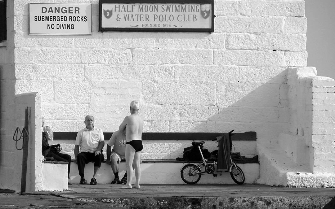 Leuchtstoff: Half Moon Swimming Club